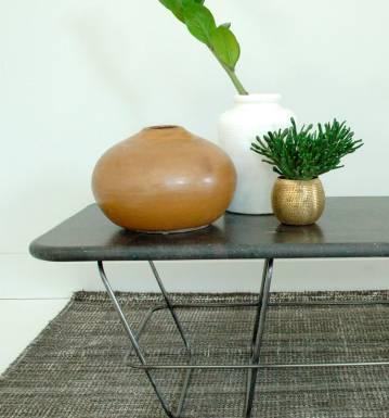 Table basse fabrication artisanale, plateau en Brescia du Brésil.