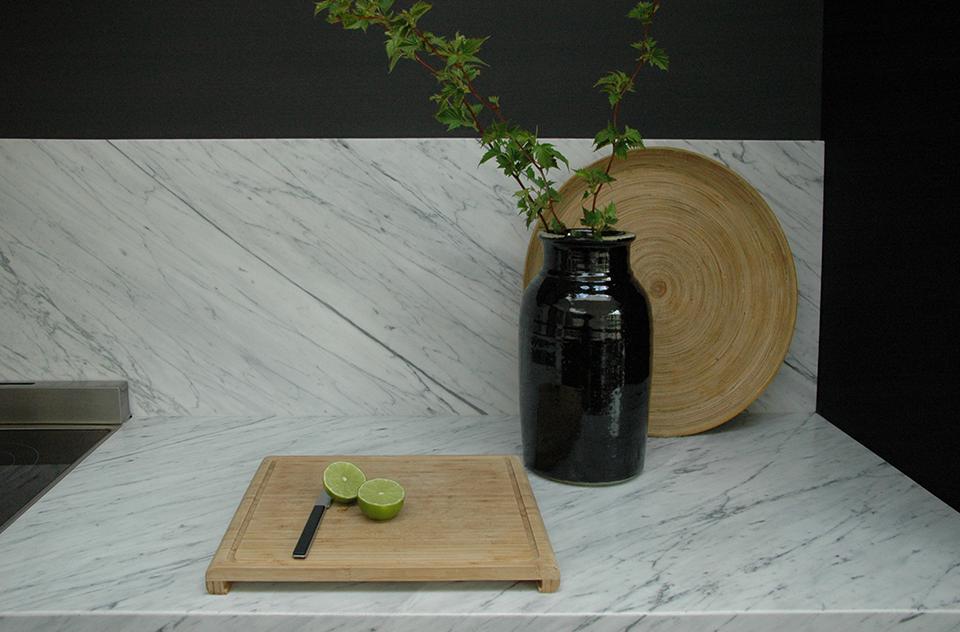 Plan de travail marbre blanc statuaire planche bois