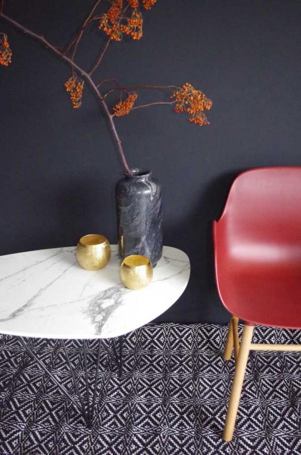 Table basse marbre blanc Ateliers SANSONE metal noir mat