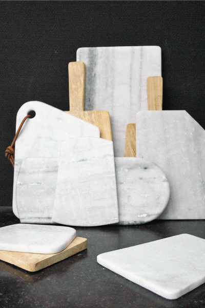planche en marbre blanc et en bois ambiance ateliers sansone. Black Bedroom Furniture Sets. Home Design Ideas