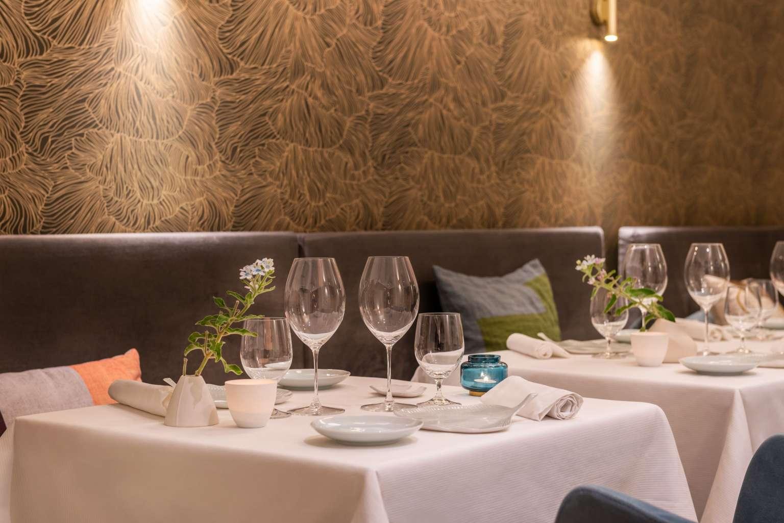 Tables de la Salle de réception de l'Axel Restaurant